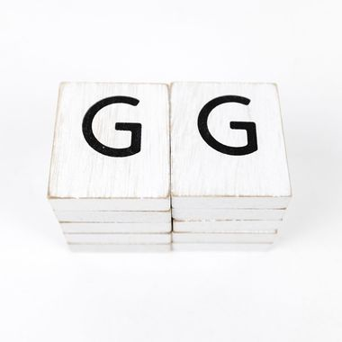 Click here to see Adams&Co 15500 15500 1.5x1.75x.25 wd letter tile s/10 (G) wh/bk