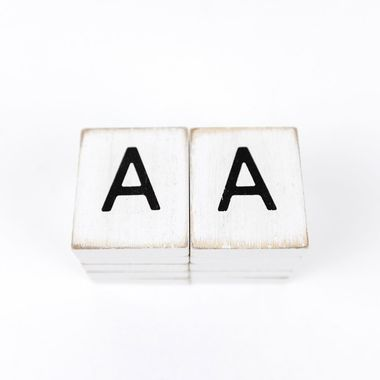 Click here to see Adams&Co 15494 15494 1.5x1.75x.25 wd letter tile s/10 (A) wh/bk
