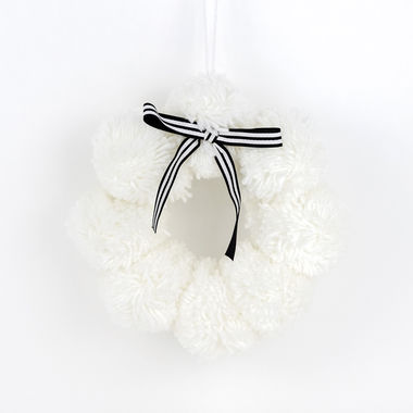 Click here to see Adams&Co 75454 75454 12x12x4 yarn pom pom (WREATH) gn/bk/wh